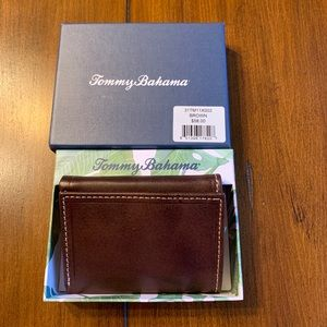 NEW TOMMY BAHAMA MEN'S LEATHER WALLET BROWN